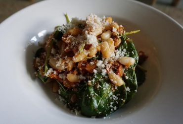 quinoa bonen spinazie